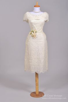 1950 Scalloped Lace Vintage Wedding Dress : Mill Crest Vintage