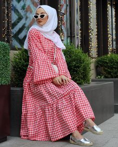 Available in XS, S, M, L, XL sizes. Colours can be customised too. Stay home and shop online from our pret Arab Fashion, Muslim Fashion, Modest Fashion, Fashion Outfits, Modest Summer Outfits, Modest Wear, Classy Outfits, Summer Dresses, Hijab Style