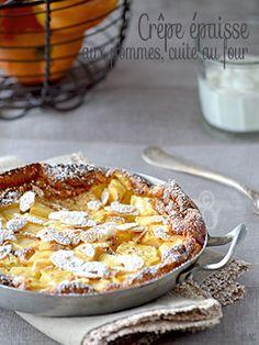 """Une crêpe épaisse, cuite au four, agrémentée de morceaux de pommes et avec un """"petit air"""" de clafoutis. Une recette rapide et simple à réaliser."""
