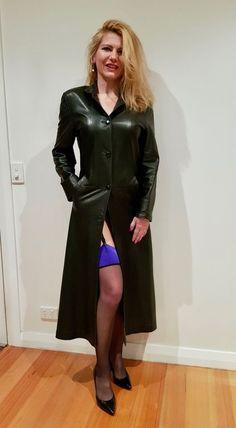 Long Leather Coat, Leather Trench Coat, Grey Fashion, Leather Fashion, Womens Fashion, Trent Coat, Satin Bluse, Vinyl Dress, Jolie Lingerie