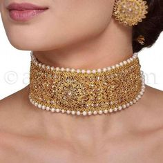 Enticing Jewelry accessories girls,Jewelry accessories bride and Minimalist jewelry videos. Pakistani Jewelry, Indian Wedding Jewelry, Fashion Necklace, Fashion Jewelry, Mode Blog, India Jewelry, Gold Jewelry, Luxury Jewelry, Gucci Jewelry
