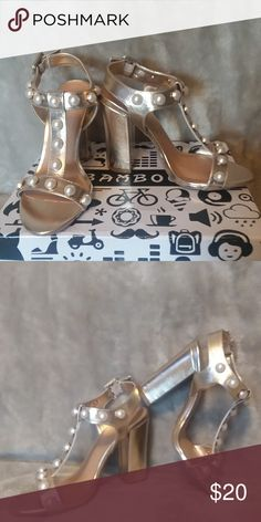 4dc9b8435bc NIB METALLIC FAUX PEARL T-STRAP CHUNKY HEEL These gorgeous BAMBOO Shoes  Heels