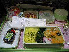 how cute is this airline food from Eva Air's HK plane?...there is a hello kitty plane?