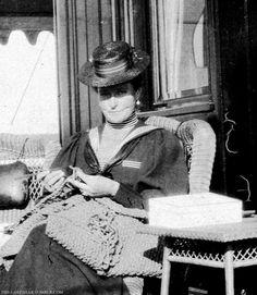 Tsarina Alexandra making Tricot at the Standart