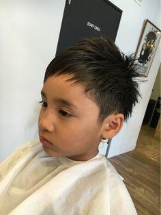 エトワール☆キッズ アシンメトリー/etoile【エトワール】をご紹介。2018年夏の最新ヘアスタイルを300万点以上掲載!ミディアム、ショート、ボブなど豊富な条件でヘアスタイル・髪型・アレンジをチェック。 Little Boy Hairstyles, Boys Long Hairstyles, Undercut Hairstyles, Boy Haircuts, Kids Cuts, Asian Kids, Boy Fashion, Little Boys, Hair Cuts