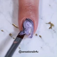 The perfect marble nail tutorial for you! Purple Gel Nails, Purple Nail Art, Purple Nail Designs, Diy Nagellack, Nagellack Design, Nagellack Trends, Nail Art Designs Videos, Nail Design Video, Nail Art Videos