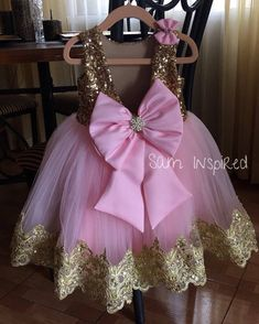 This sweet pink and gold bow dress is perfect for any special occasion. includes only the dress** Handmade to order. No two items will be exactly the same! All of my items are made with quality fabrics and professional finishes. SIZZING Newborn to to Ballerina Birthday Parties, Baby Girl Birthday, Princess Birthday, Birthday Dresses, Baby Girl Dresses, Baby Dress, Flower Girl Dresses, Minnie Mouse Party Decorations, Minnie Mouse First Birthday