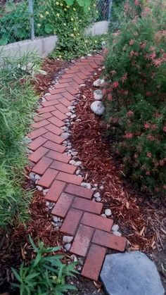40 Simply Amazing Walkway Ideas For Your Yard #garden #patiofurniture #diygarden