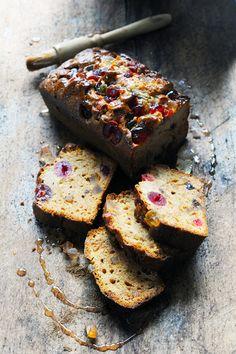 Dorian cuisine.com Mais pourquoi est-ce que je vous raconte ça... : Quand j'hésite entre pain d'épices et cake aux fru...