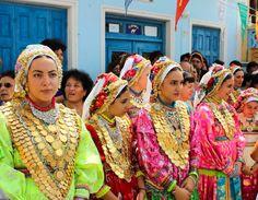Το ορεινό χωριό της Καρπάθου όπου «το πάνω χέρι έχουν οι γυναίκες-exfacto.gr #karpathos #olympos #καρπαθος #ολυμπος #ολυμποςκαρπαθου Greece, Travel, Fashion, Greece Country, Moda, Viajes, Fashion Styles, Destinations, Traveling