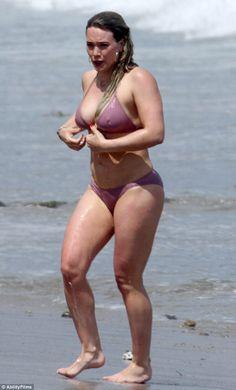 Hilary Duff gets frisky with new boyfriend Ely Sandvik Hilary Duff Age, Hilary Duff Style, Hilary Duff Bikini, Haylie Duff, Indian Actress Hot Pics, Curvy Women Fashion, The Duff, Bikini Girls, Bikinis