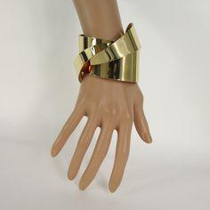 Gold Shiny Metal Cuff Bracelet Sexy Twisted Wave Chic Fashion New Women Jewelry Accessories