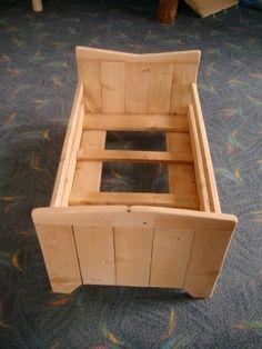 Lit de poupée en bois de palette ou lit de poupée ou décor pour le remake de la petite maison dans la prairie