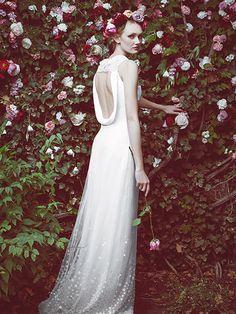 La Bridal Week neoyorkina nos deja verdaderos tesoros en forma de vestidos. Novias, madrinas e invitadas tienen su propio papel, por lo que hemos querido rescat
