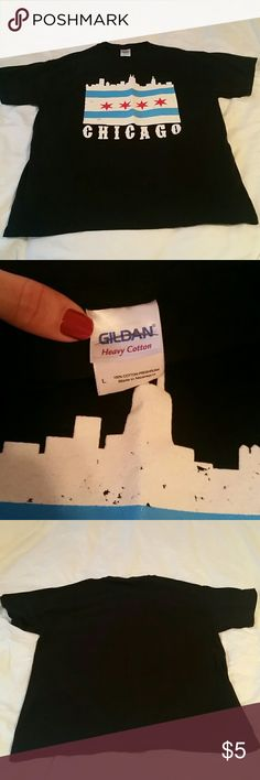 Chicago flag/skyline T-shirt Chicago t-shirt, NWOT featuring flag and skyline. Unisex Size L.  100% preshrunk cotton. Gildan Tops Tees - Short Sleeve