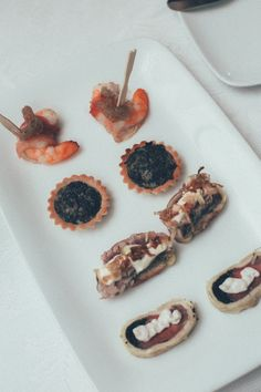 Cocktail hour food idea - bite sized appetizers {Mark Fierst Photography}