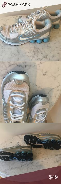 Ladies Running Nike Running Sneakers! Excellent condition they are gorgeous! Nike Shoes Sneakers