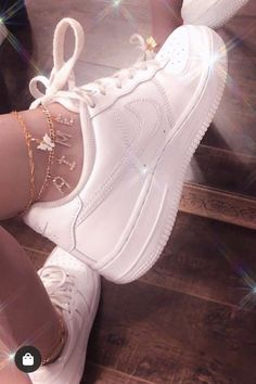 aesthetic shoes air force ones ankle jewellery Classy Aesthetic, Aesthetic Shoes, Bad Girl Aesthetic, Aesthetic Collage, White Aesthetic, Aesthetic Vintage, Aesthetic Clothes, Aesthetic Grunge, Ankle Jewelry