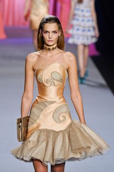 Viktor & Rolf So pretty, and again that subtle color palette that I am drawn towards.