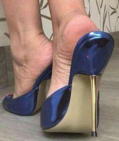 sexy women feet showing soles in sandals Extreme High Heels, Open Toe High Heels, Hot High Heels, Beautiful High Heels, Gorgeous Feet, Sexy Legs And Heels, Sexy Feet, Mules Shoes, Heeled Mules