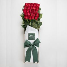 Presentation Styled Long Stemmed Roses Gift Box