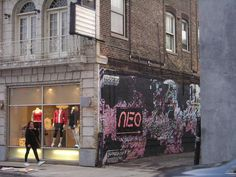 Entrance to Neo's down the alley.