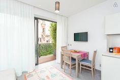 Dai un'occhiata a questo fantastico annuncio su Airbnb: COLOSSEO LUXURY apt with balcony - Appartamenti in affitto a Roma