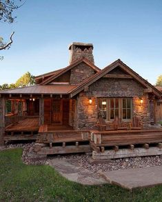 Me gusta, 14 comentarios - Acogedoras casas e interiores ( . Mountain Dream Homes, Rustic French Country, Modern Rustic, Log Cabin Homes, Cabin Tent, Cabin In The Woods, Pole Barn Homes, Earth Homes, Forest House