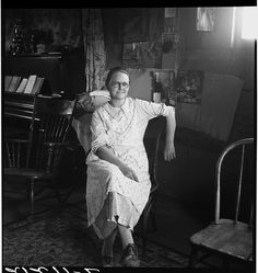 """""""Mrs Hull, in a one-room basement dugout home."""" Photo by Dorothea Lange Mrs. Wainwright* or Ma's apron source Old Photos, Vintage Photos, Shorpy Historical Photos, Historical Pictures, Dust Bowl, Great Depression, High Resolution Photos, Photo Archive, Gloss Matte"""