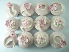 Vintage rose lace cupcakes - Made using a sugarveil mat as an embosser! Thanks to Carina's Cupcakes for the tutorial