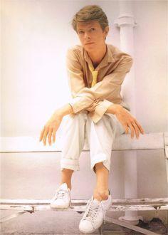 David Bowie being elegant …