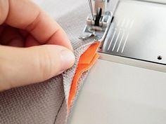 Tutoriel DIY: Coudre une taie d'oreiller portefeuille via DaWanda.com