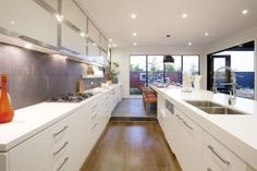 I just viewed this amazing Amalfi 33 Kitchen style on Porter Davis – World of Style. How about picking your style?