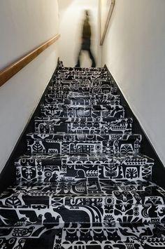 Le scale decorate come elemento di design - Ideare casa. Fabric by Marimeko decorated stairs...