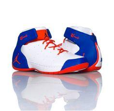 Sneaker jordan Melo 1.5. White, Orange And blue.