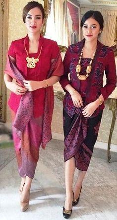 Beautiful sisters in Regram from Thank you. Kebaya Muslim, Kebaya Hijab, Batik Kebaya, Kebaya Dress, Batik Dress, Kebaya Brokat, Model Rok Kebaya, Model Kebaya Modern, Kebaya Modern Dress