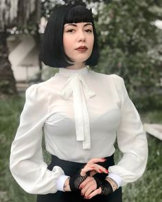 Bettiefromhell Source by blouses style Sheer White Blouse, Sexy Blouse, Blouse And Skirt, Blouse Outfit, Blouse Dress, Darkness Girl, Iranian Women Fashion, Silky Dress, Satin Blouses