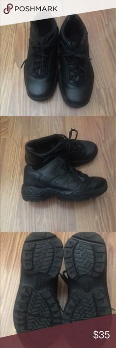 Black women's non-slip work shoes 9M Black non-slip work shoes. Size 9M.  Bought online and it is a M and I need a Wide fit.  I tried once and would like to sell this to someone that can use for work. Work shoes like these go from $40-90 I am only asking for $35.  Still have box. Shoes Sneakers