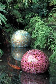 "FERN ROOM NIIJIMA FLOATS  ""CHIHULY IN THE PARK: A GARDEN OF GLASS""  NOVEMBER 23, 2001 - NOVEMBER 4, 2002  GARFIELD PARK CONSERVATORY, CHICAGO"