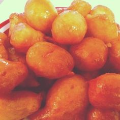 """Luqmat Al Qadhi or Luqaymaat """"The Judge's Morsel"""" or """"The Judge's Bites"""" - fried dough with sugar syrup Yemeni Food, Dough Balls, Middle Eastern Recipes, World Recipes, Good Food, Peach, Favorite Recipes, Vegan, Vegetables"""