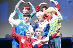 Im so happy for these boys, Army fighting! Let's keep helping them, and never give up on them!