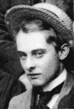 The unparalleled dirtbag of the Victorian set, Lord Alfred Douglas.