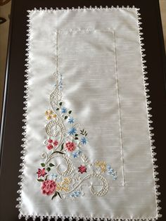 Embroidery On Kurtis, Kurti Embroidery Design, Embroidery Motifs, Brazilian Embroidery, Needlework, Diy And Crafts, Quilts, Stitch, Knitting