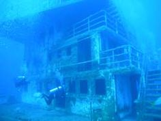 A world of ghosts...wreck dive in Roatan
