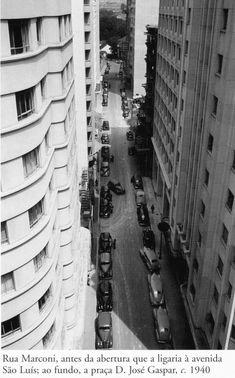 1940 - Rua Marconi, antes da abertura que a ligaria à avenida São Luís. Ao fundo temos a praça Dom José Gaspar. Foto de Hildegard Rosenthal. Acervo do Instituto Moreira Salles.