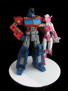 Optimus Prime & Elita One wedding cake topper.  Can you say AWESOME?!