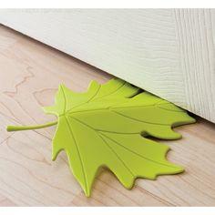 Tope de puerta Loose Leaf diseñado por Teerachai Suppameteekulwat. Deja que el otoño entre a tu casa.