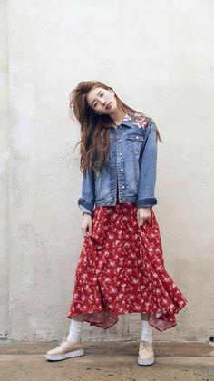 Suzy x Guess Kpop Fashion, Modest Fashion, Fashion Outfits, Ootd Chic, Bae Suzy, Korean Street Fashion, Korean Celebrities, Korean Model, Korean Outfits