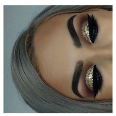 DIY Augen Make-up Sparkling Magic Gold Glitter – Makeup İdeas - Beauty New Glitter Eye Makeup, Eye Makeup Tips, Smokey Eye Makeup, Beauty Makeup, Huda Beauty, Glitter Lipstick, Glitter Hair, Makeup Hacks, Blue Glitter