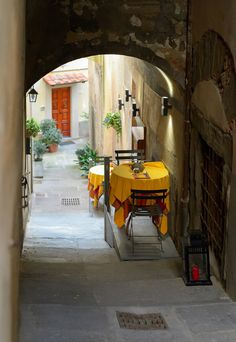 Table for two in Cortona